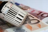 Heizungsregler und Euro-Geldscheine