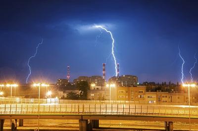 Blitz über Stadt