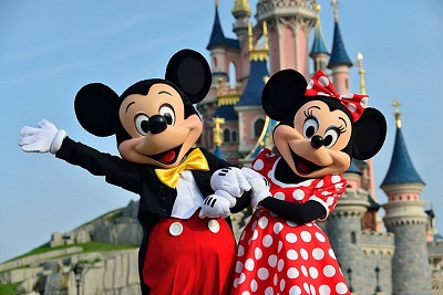 Disneyworld Paris mit Mickey und Minnie