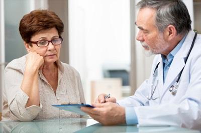 Patientin-Arzt-Gespräch
