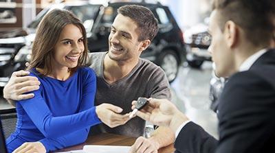 Autokäufer können ihre Kfz-Versicherung frei wählen.