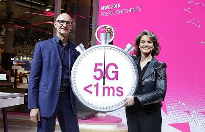 Telekom-Vorstand Timotheus Höttges spricht auf der MWC 2016 über 5G. (Bild: Telekom)