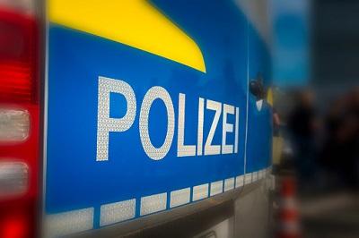 Polizei-Aufschrift auf Fahrzeug