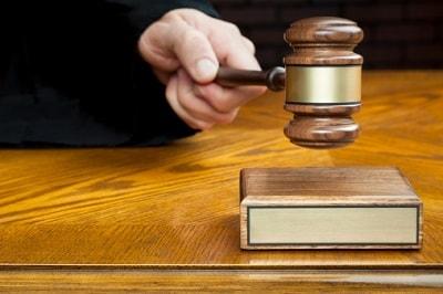 Richterhammer und Richterblock