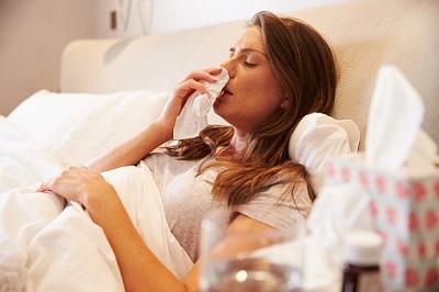 Kranke-Frau-Schnupfen-Erkältung