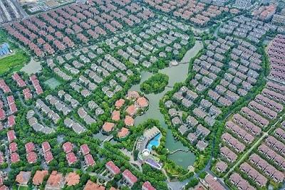 Häuser in einem Hochwassergebiet