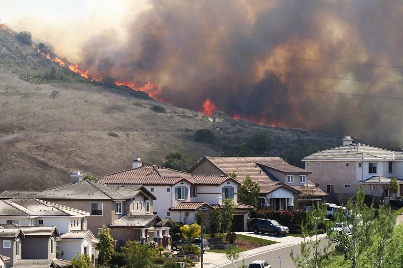 Waldbrand-USA-Kalifornien-Haueser