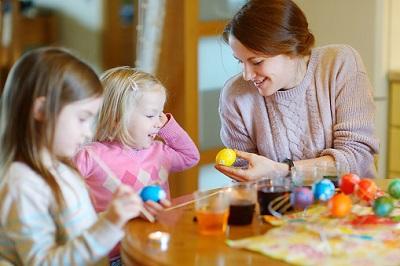 Tagesmütter mit zwei Kindern