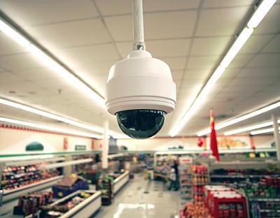 Überwachungskamera im Laden