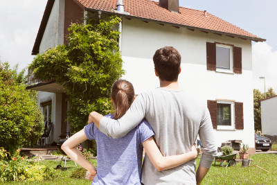 immobilienbesitzer sparen bei ratenkrediten im schnitt 219 euro gegen ber mietern. Black Bedroom Furniture Sets. Home Design Ideas
