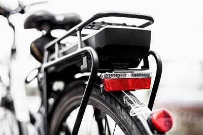 E-Bike-Akku und Hinterrad
