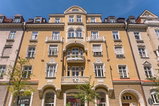 Ein Wohnhaus im Münchner Stadtteil Schwabing