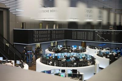 Börse in Frankfurt: Wertpapiere sind im Börsen-Boom bei den Anlegern wieder deutlich beliebter geworden.